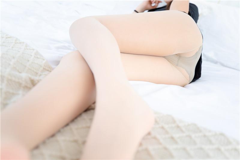 神楽坂真冬 – 白色办公室 ホワイトオフィス [150P]