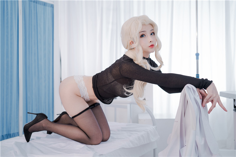 rioko凉凉子 – 透视装的校医大姐姐 [48P]