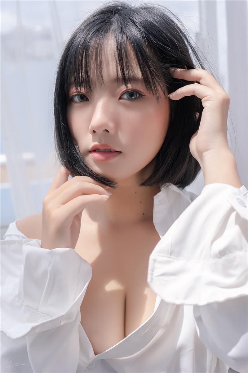 Messie Huang – 越南妹子套图合集下载