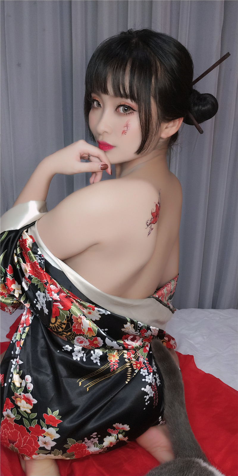 洛璃 LoLiSAMA – 歌舞伎 [92P10V]