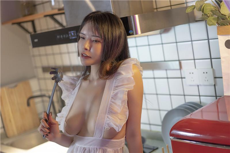秋和柯基 – 透明围裙3 吃宵夜吗? [56P2V]